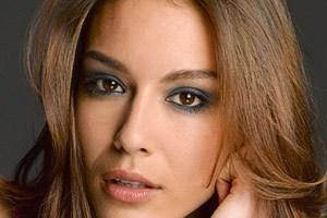 http://s2.picofile.com/file/7120984187/dokhtarane_ziba_farbehar_blogsky_com.jpg