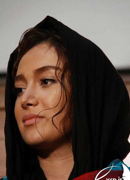 http://s2.picofile.com/file/7121727090/bahare_afsharii2_farbehar_blogsky_com.jpg