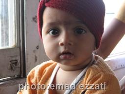 کودک هندی داخل قطار