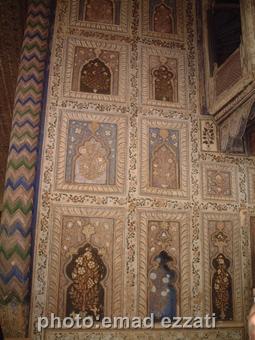 نمایی از تزئینات داخل کاخ تابستانی تیپوسلطان (عکس ها قاچاقی گرفته شده)