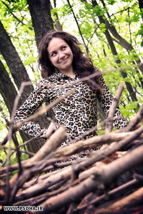ژست تک نفره در جنگل