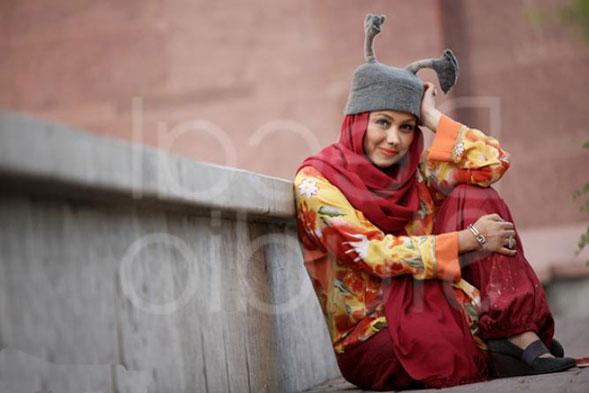 http://s2.picofile.com/file/7133536876/Behnoosh_Bakhtiari01.jpg