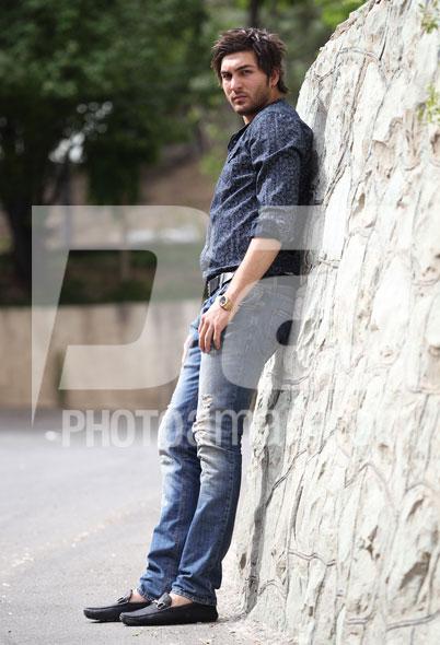 http://s2.picofile.com/file/7133542040/Alireza_Haghighi03.jpg