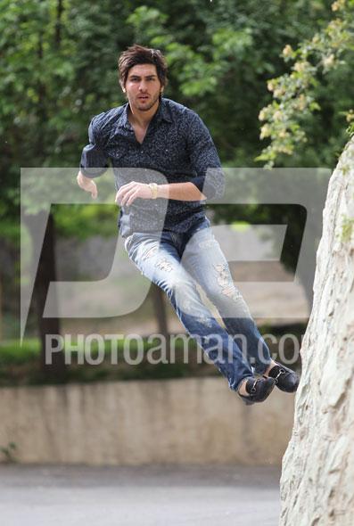 http://s2.picofile.com/file/7133542254/Alireza_Haghighi05.jpg