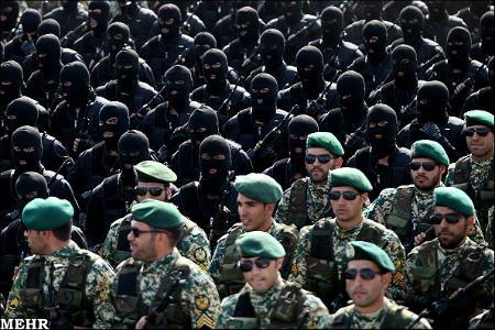 مراسم رژه نیروهای مسلح ایران در آغاز هفته دفاع مقدس