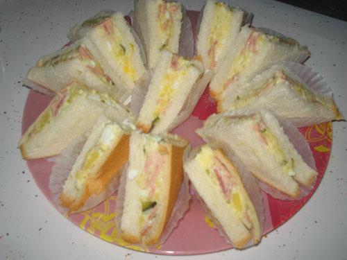 ساندویج با نان تست