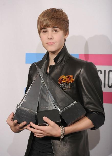 [تصویر: Justin_Bieber_4.jpg]