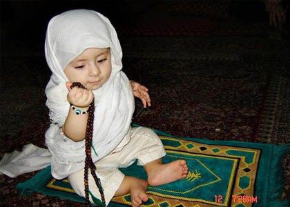 کودک نمازخوان