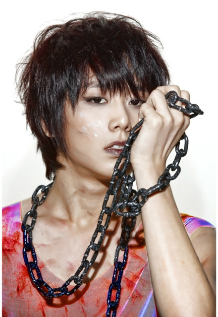 http://s2.picofile.com/file/7197019672/Chaejin_1.jpg