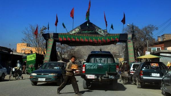 نمایشگاه عکس: مراسم عاشورا در کابل، پیش از حمله انتحاری