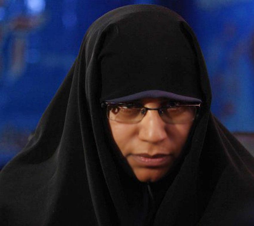 خانم عشرت شایق دبیر ستاد بافت تابلو فرش بیداری اسلامی
