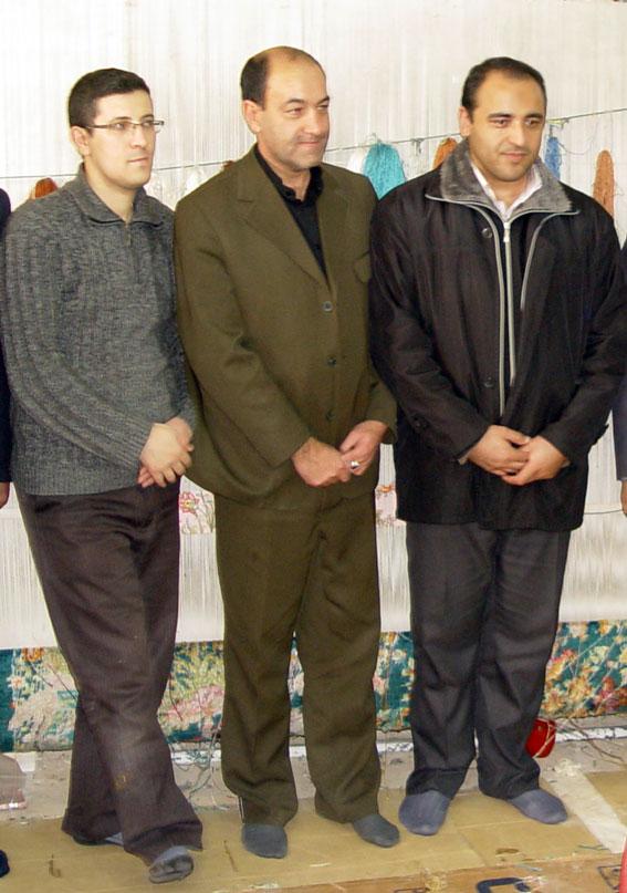 دبیرمنطقه 7 در کنار آقای  ناصرمحمدیان طراح تابلو فرش تاریخ آذربایجان