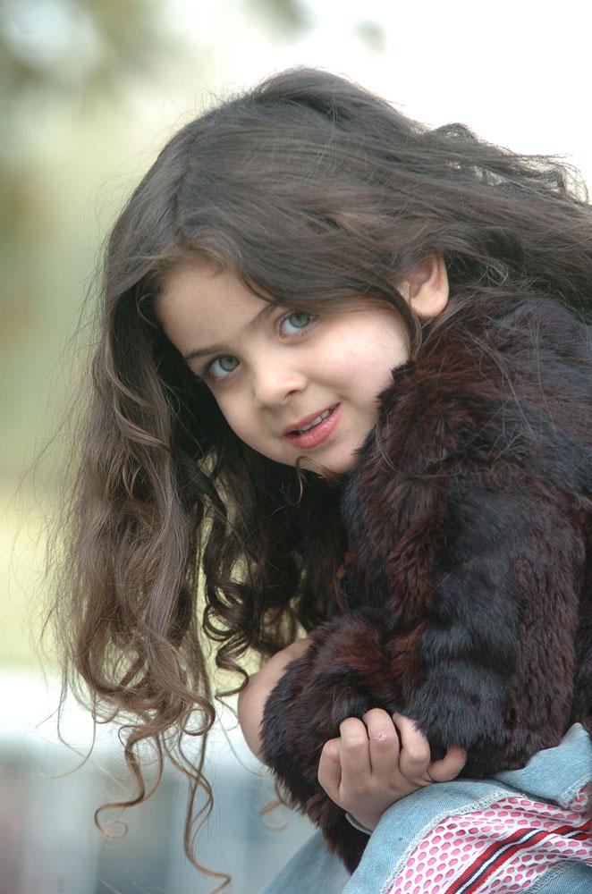 http://s2.picofile.com/file/7259563866/Armita_moradi01.jpg