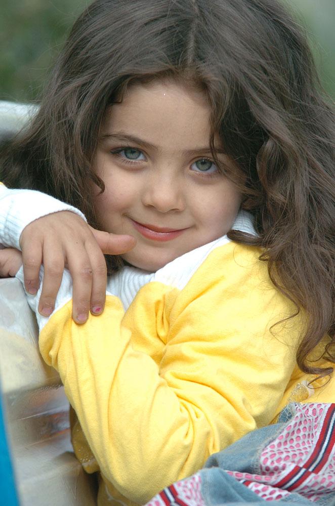 http://s2.picofile.com/file/7259564729/Armita_moradi02.jpg