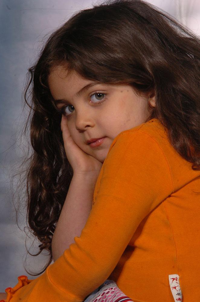 http://s2.picofile.com/file/7259565371/Armita_moradi03.jpg