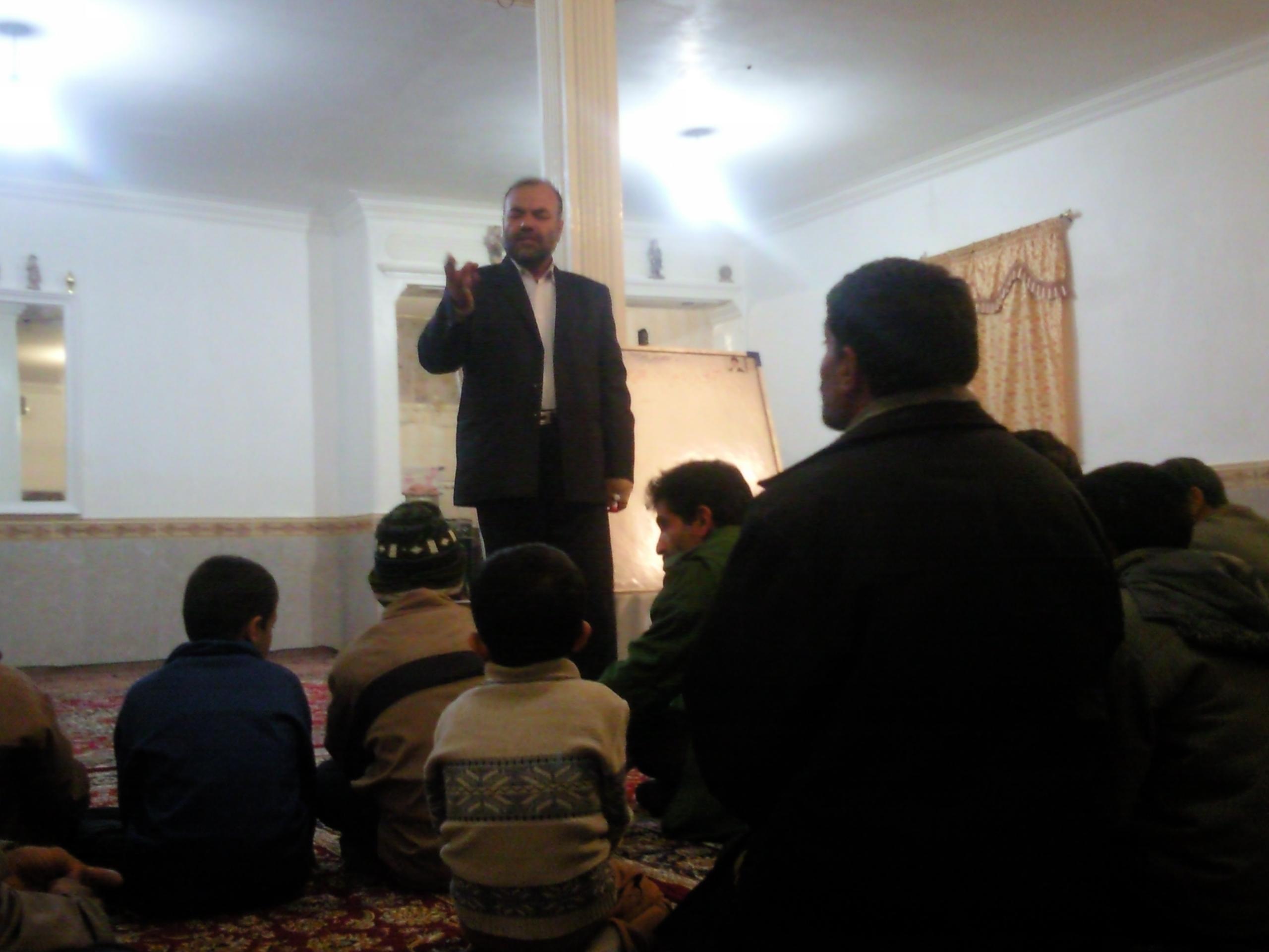 کلاس آموزش قرآن در چنارک