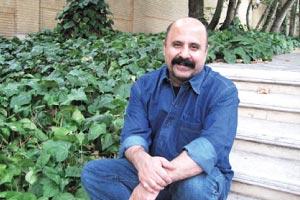 مراسم رونمایی کتاب شعر «اندیشه» با حضور استاد سهیل محمودی