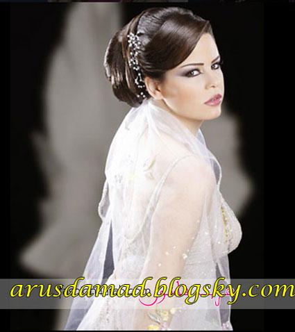مدل شنیون و تاج و تور عروس