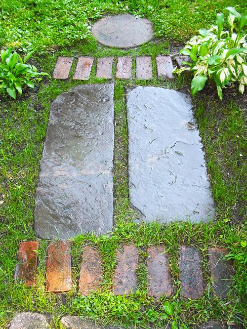 http://s2.picofile.com/file/7339602682/RMS_Mikaniru_garden_path_walkway_s3x4_lg.jpg