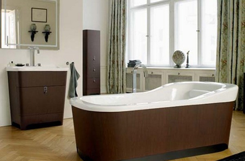 http://s2.picofile.com/file/7341928381/Luxury_Cosmopolitan_Bathroom_Esplanade_600x395.jpg