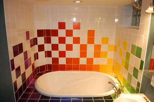 http://s2.picofile.com/file/7341929244/rainbow_bathroom_Freshome_02.jpg