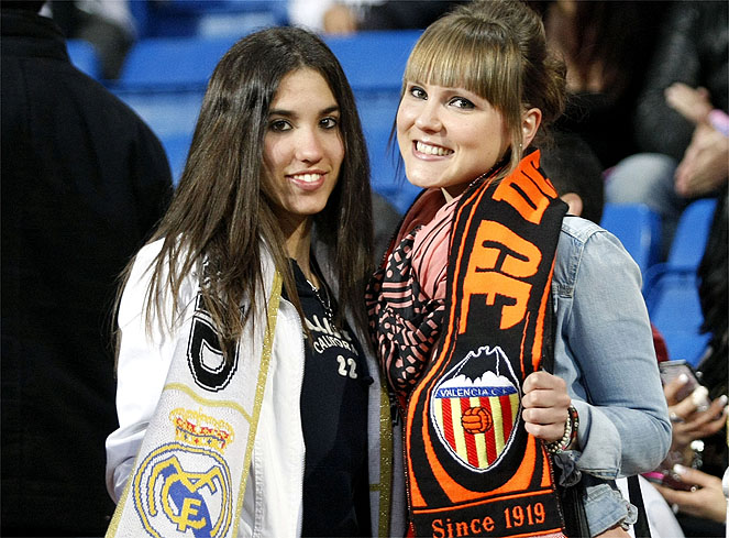 http://s2.picofile.com/file/7349827090/Real_Madrid_Valencia_imagenes.jpg