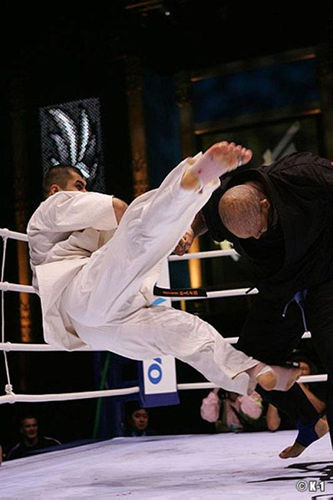 http://s2.picofile.com/file/7353921933/65_kurbanov_vs_big_04_dIchigeki_2004.jpg