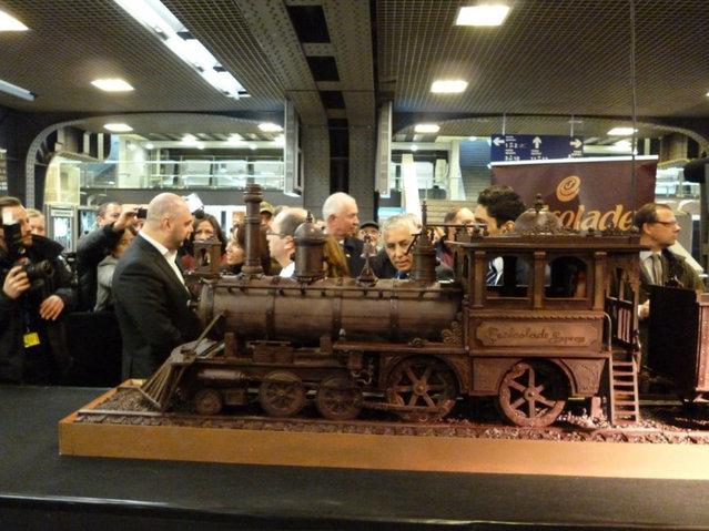 قطار شکلاتی