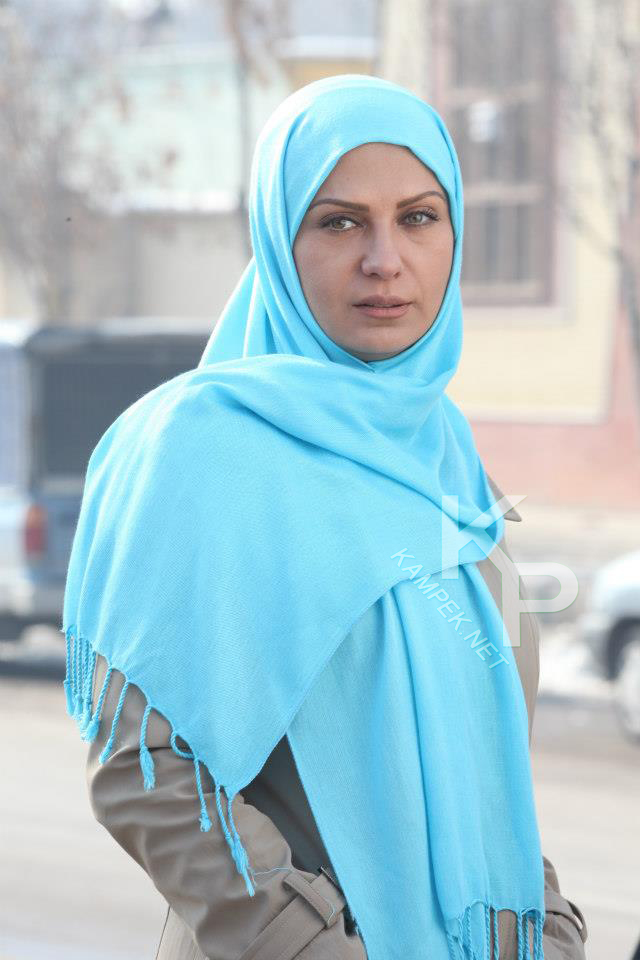 عکس های لعیا زنگنه بازیگر سریال راستش را بگو