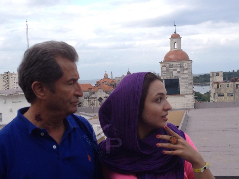 عکس جدید گلاره عباسی و پدرش