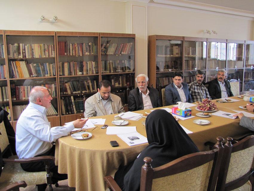 جلسه ستادبشردوستانه منطقه 7 کمیسیون در امدادرسانی به مناطق زلزله زده در روزنامه مهد آزادی