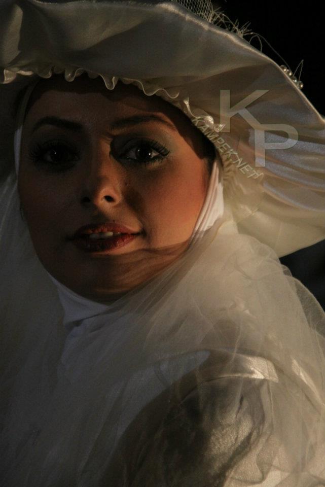 عکس نفیسه روشن با لباس عروس