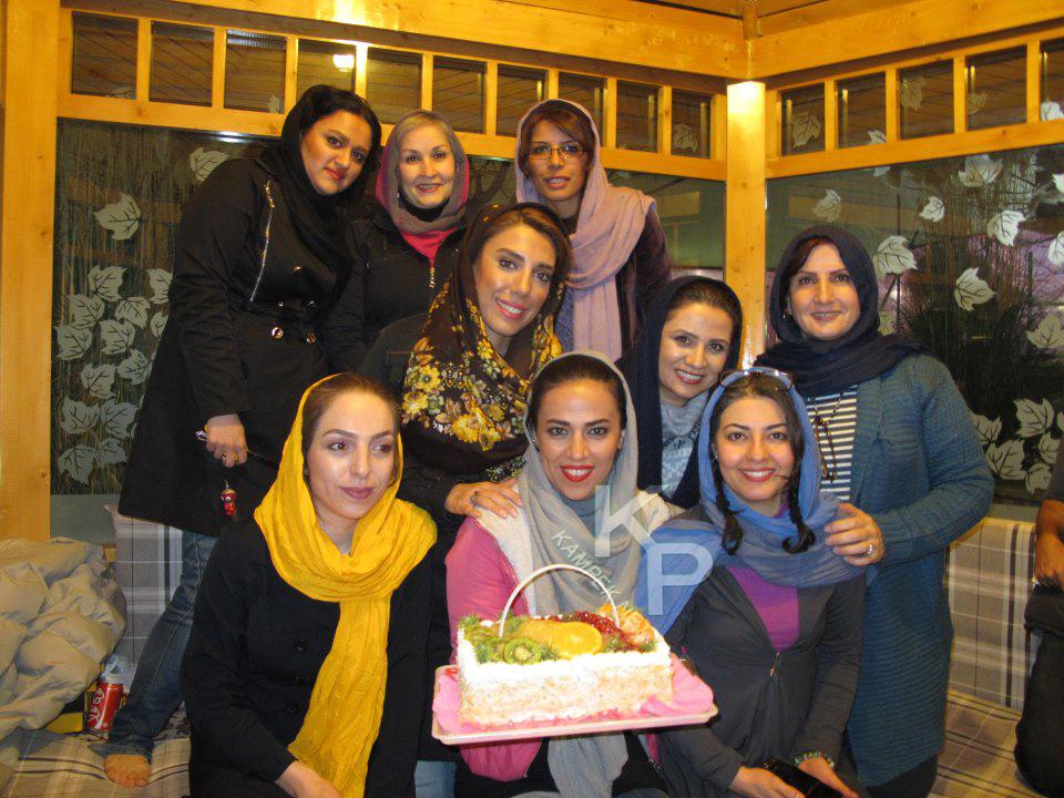 عکس جدید اناهیتا همتی در کنار فلورا سام و زهرا سعیدی