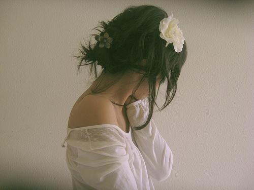 http://s2.picofile.com/file/7596462682/artistic_cute_flower_girl_hipster_Favim_com_275173.jpg