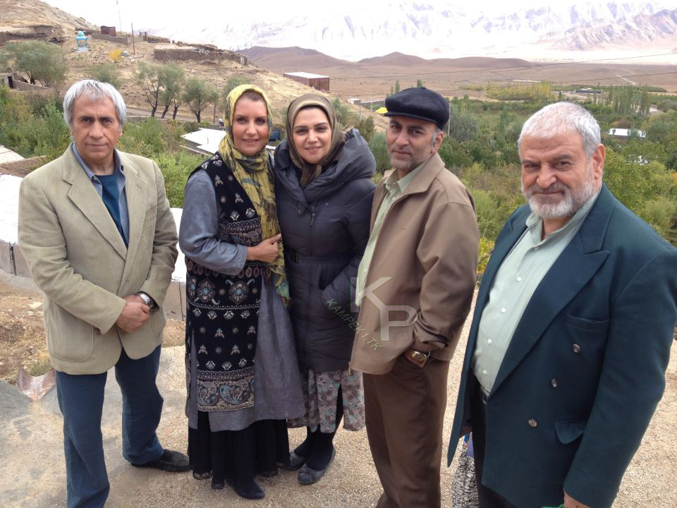 الهام پاوه نژاد و فریبا کوثری بازیگران سریال یلدا
