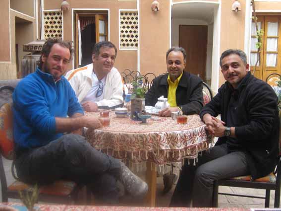 پدر سایکل توریست ایران و دوچرخه سوار ایتالیایی در یزد