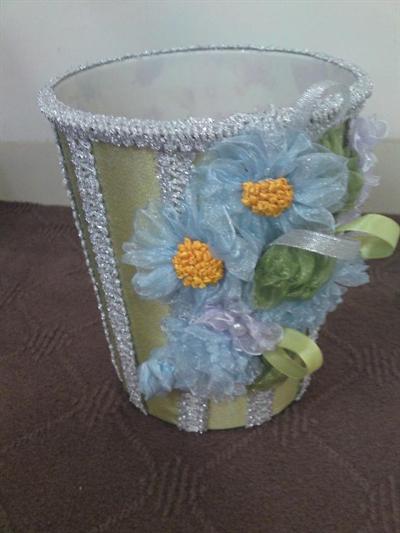 سطل تزیین شده با روبان