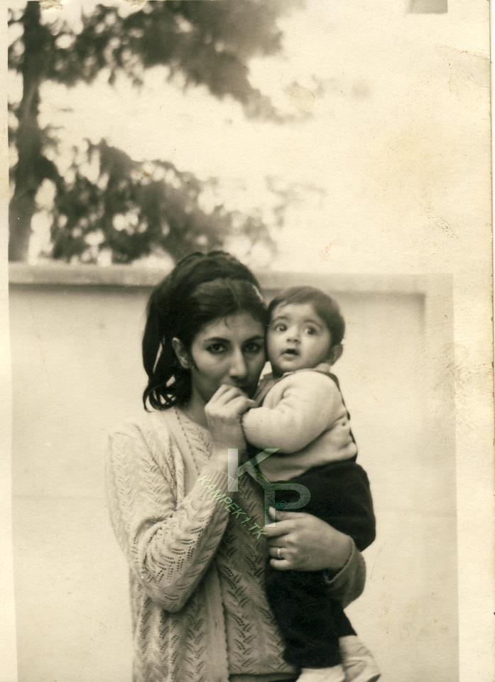 عکس بچگی لادن طباطبایی و مادرش