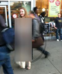 عکس زن برهنه زن بدون لباس زن دختر خیابان های نیویورک خیابان