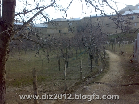 http://s2.picofile.com/file/7673956662/20131122405.jpg