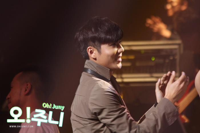 582348uiyihkjbm 1984614150 n [Fancam] Kim Kyu Jong   Attends Kim Hyung Jun THE FIRST Special Live Concert in Seoul [13.03.09] by kyus4kj +photo
