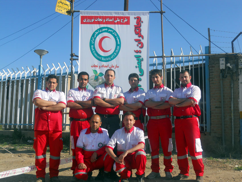 عکس : حضور همیاران دفترمنطقه 7 به عنوان اکیپ های امداد نوروزی در جاده های آذربایجان شرقی