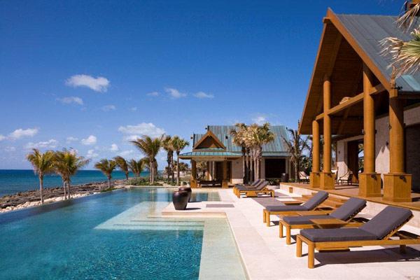 بهشت شرقی ساخته شده با چوب ساج در باهاما