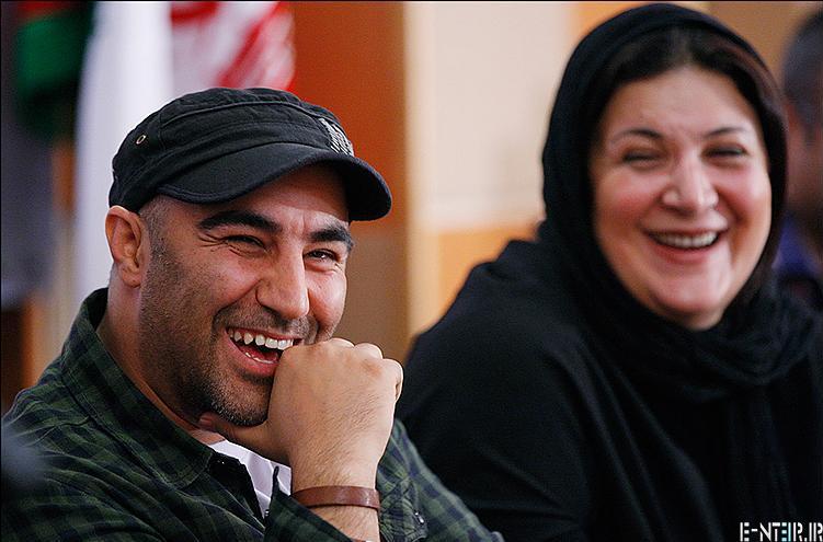 محسن طنابنده در مراسم تقدیر از سریال پایتخت 2
