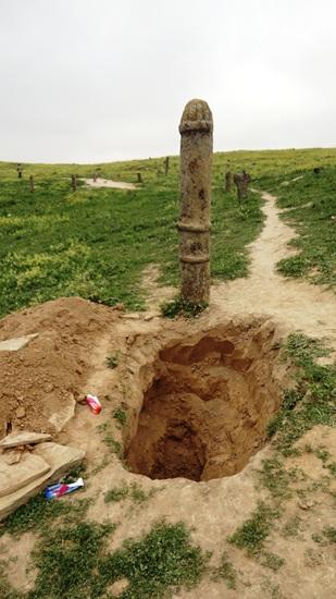 گورستان هزارتپه+ خالد نبی+ نبش قبر