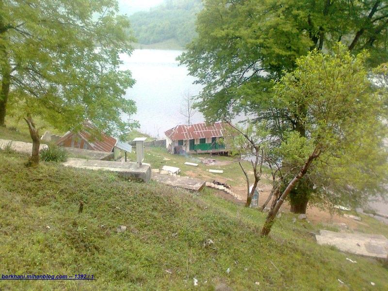 http://s2.picofile.com/file/7729523545/Emamzadeh_Yahya.jpg