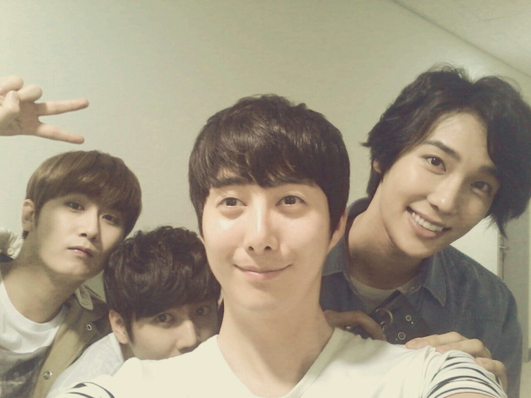 775654896 ys twitter site update[photo