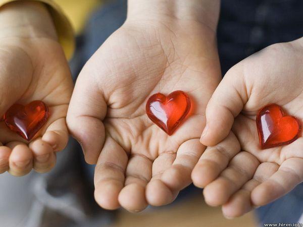 دل را به کف هر که دهم باز پس آرد