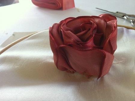 آموزش گل رز روی پارچه