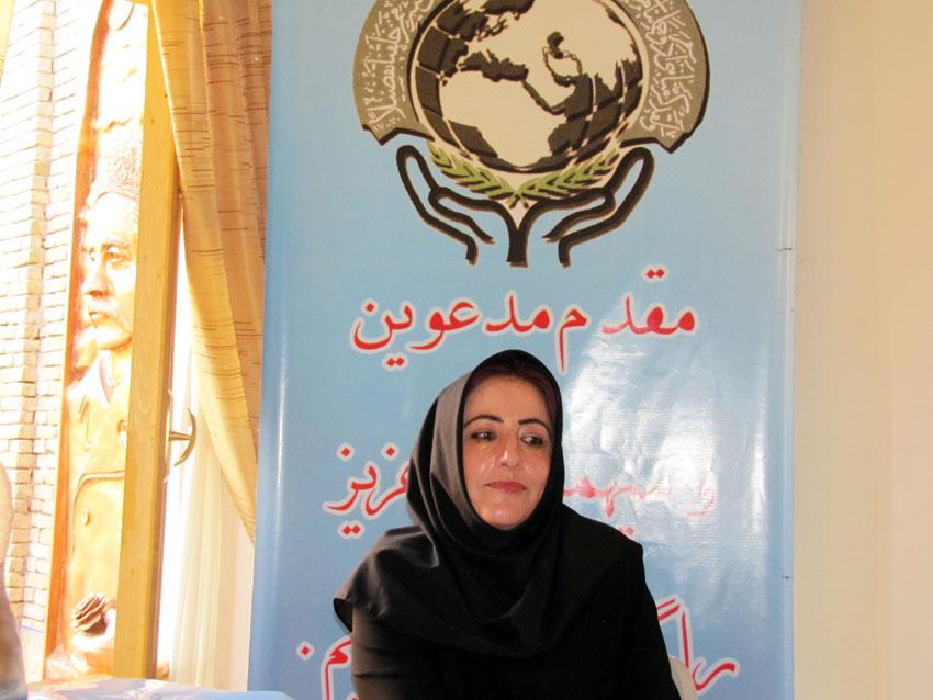 خانم شهلا گلپرور  - كارشناس ارشد حقوق جزا و جرمشناسي و عضو کارگروه حمایت از حقوق زنان دفتر منطقه 7 کميسيون حقوق بشر اسلامی